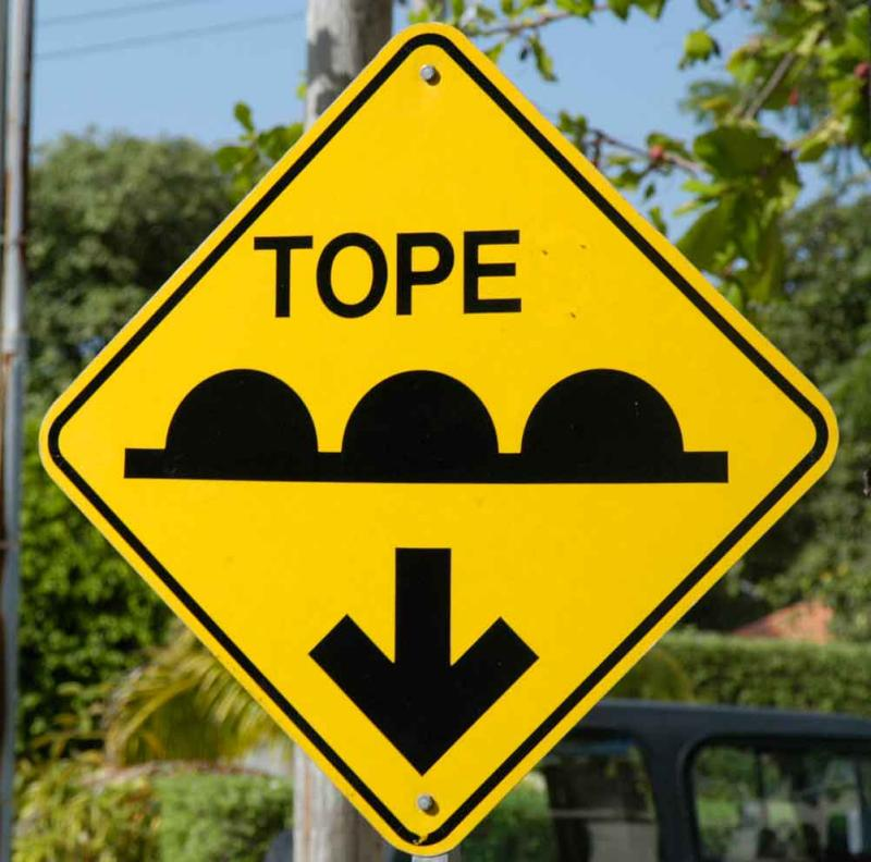 Tope sign