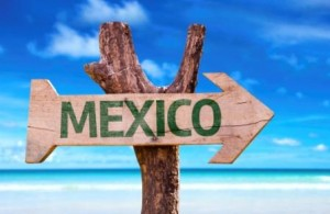Arrow pointing the way to Mexico